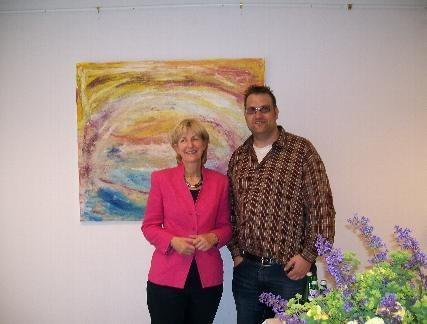 Tobias Fritz bei einer Ausstellung im Büro von Bundestagsabgeordnete Ina Lenke